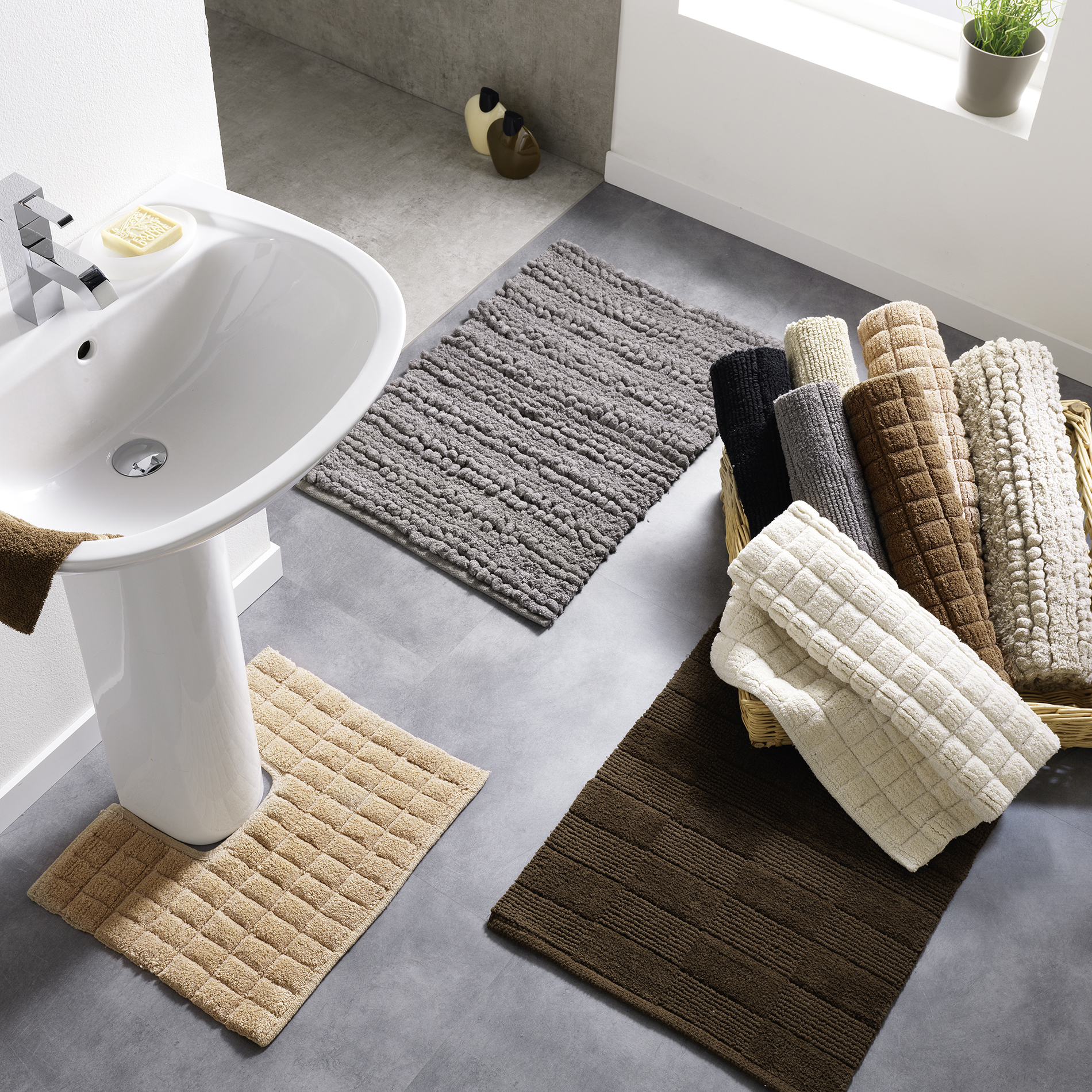 photo-linge-de-maison-tapis-de-bain-decor